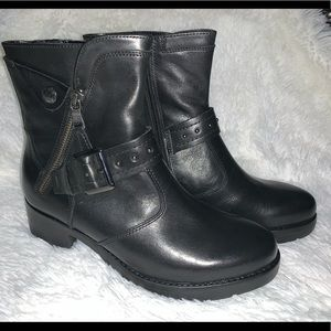 Leather Earth boots brand new size 8